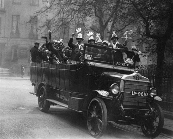 [Изображение: 1923_bolton-fans-final_fa-cup.jpg]