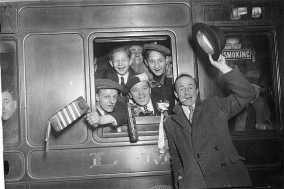 [Изображение: 1932_arsenal-fans.jpg]
