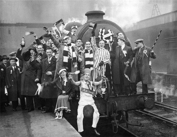 [Изображение: 1936_arsenal-fans.jpg]