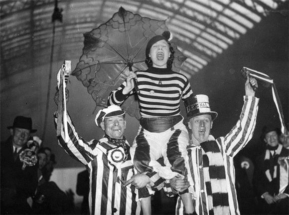 [Изображение: 1937_arsenal-fans.jpg]